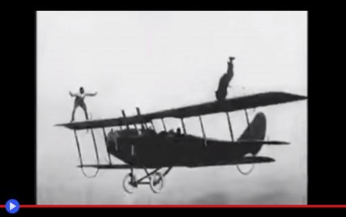 Si pu cambiare la ruota di un aereo in volo il blog di - Si puo portare la piastra in aereo ...